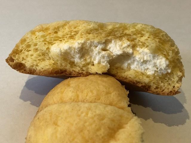 不二家-ウエルシアのペコスイーツ、糖質を抑えたペコパフケーキの断面