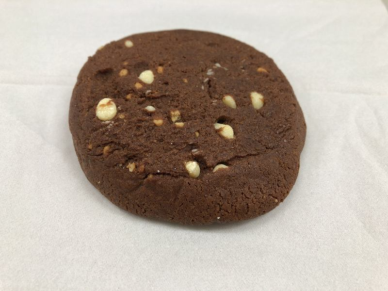 マイプロテイン_プロテインクッキー クッキー&クリームの見た目