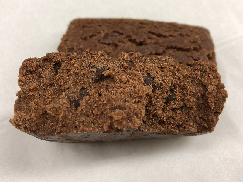 マイプロテイン_プロテインブラウニー チョコレートの断面