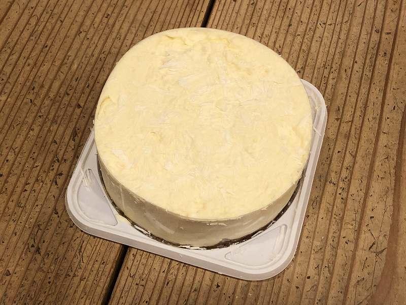 糖質70%オフ!ISUPREMEの、低糖質な極厚チーズケーキの全体